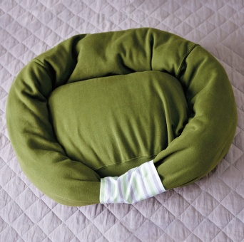 sweatshirt-pet-bed10